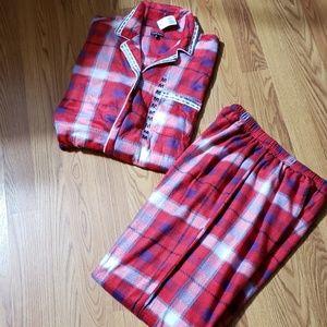 NWT HANNAH pajama polyester set